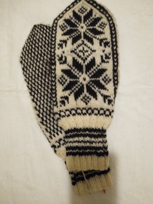Mittens black-natural white