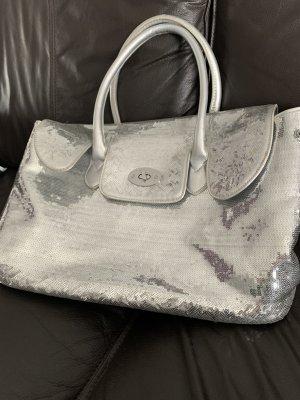 Große Silber glänzende Handtasche