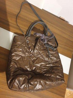 Große Tasche