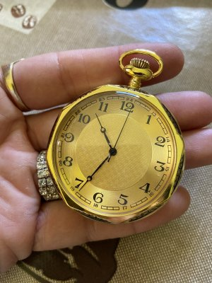 Zegarek analogowy biały-złoto