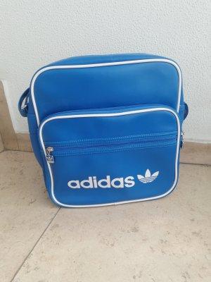 große Umhängetasche von Adidas