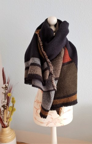 großer, dicker Schal, Maxi-Schal mit Muster von Zara