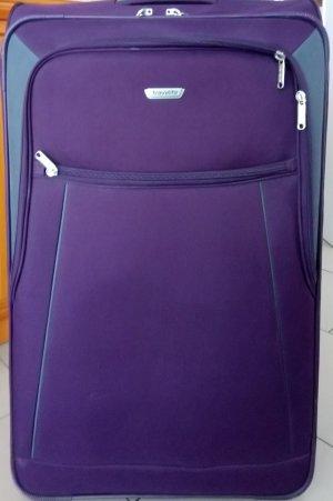 Großer lilafarbener Reisekoffer von Travelite