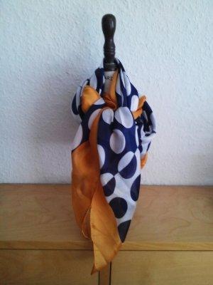 Großes hübsches Polka Dot Halstuch von Mango