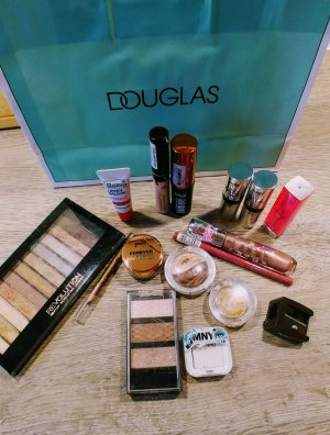 Großes Makeup - Set mit tollen Marken Kiko Maybelline L'Oreal Catrice Manhattan