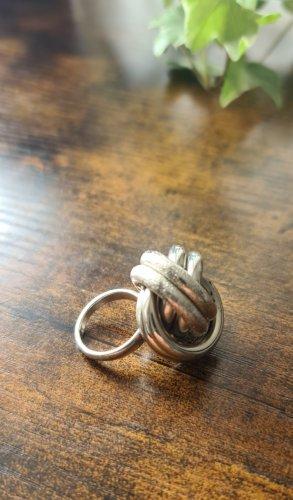 Großes Ring