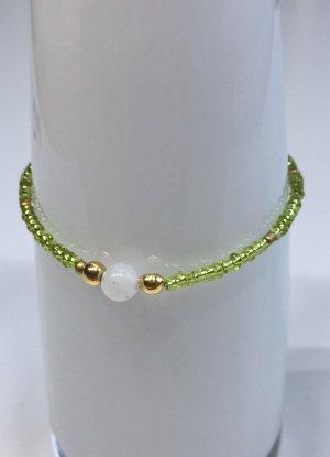 grün-goldenes Armband mit Jadeperle, 17 cm lang