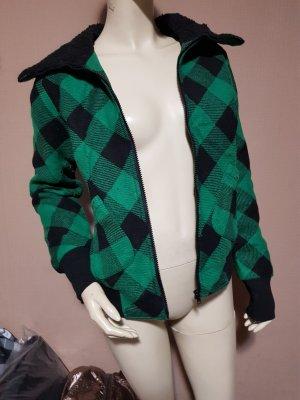 grün schwarz karierte warme Jacke Neu mit Etikett Gr. 32