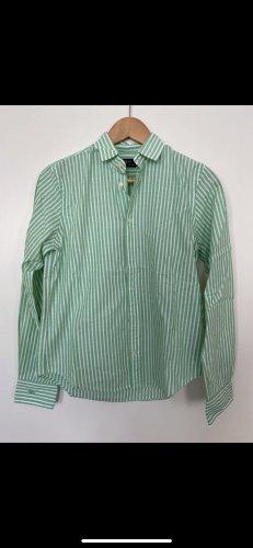 Grün-Weis gestreiftes Hemd