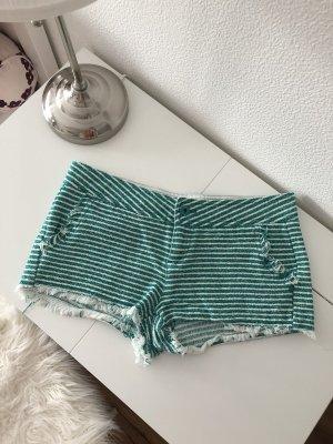 Grün weiß gestreifte Shorts Sommer