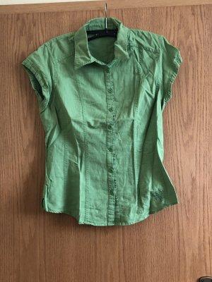 Grüne ärmellose Bluse