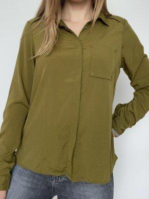 Grüne Bluse (knitterfrei)
