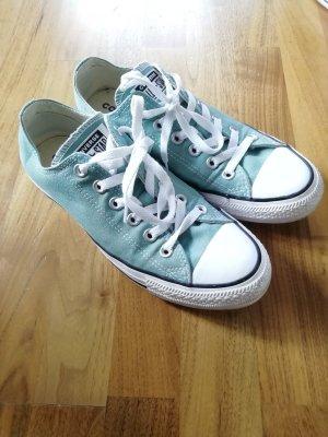 Grüne Converse