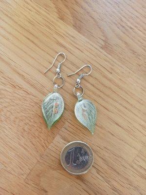 grüne Glasblätter Ohrringe