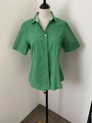 Grüne Hemd von Adagio