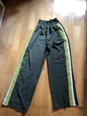 Grüne/ Kakifarbene Stoffhose