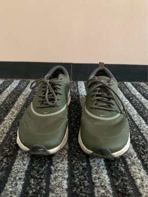 Grüne Nike Sneaker