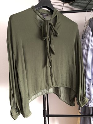 Grüne Satinbluse glänzend mit Schleife, Primark