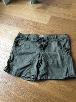 Grüne Shorts von s.Oliver Größe 38