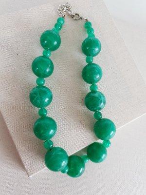 Collier de perles vert fluo-vert