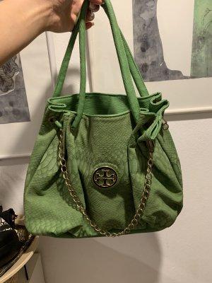 Grüne Tasche extravagant
