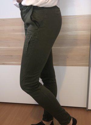 Grüne Zara Hose im Biker Style