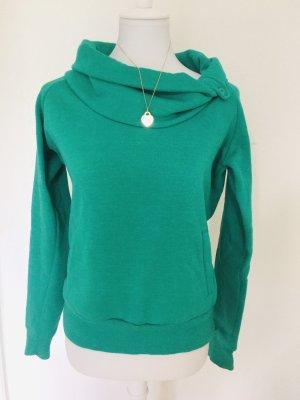 Grüner kuschelig warmer Pullover