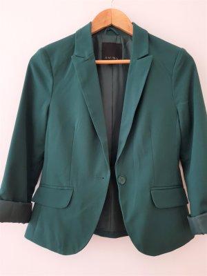 grüner modern geschnittener Blazer