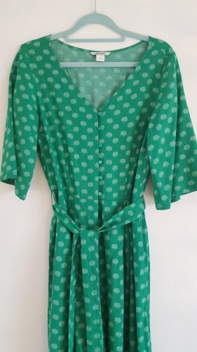 Grüner Overall mit Muschel-Muster