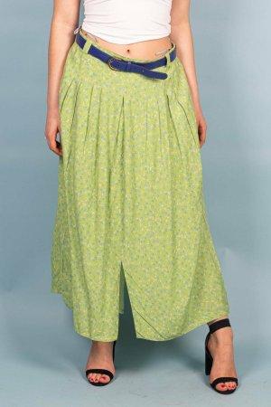 Grüner Sommerrock mit blauem Gürtel in S