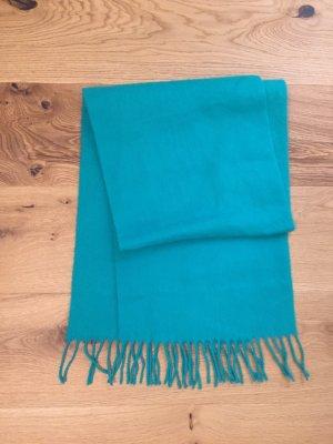 Grüner weicher Schal