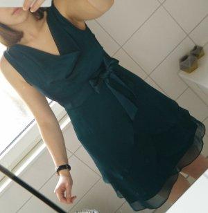 grünes Abendkleid Festtagskleid von Marie Noir mit Wasserfallkragen/ausschnitt