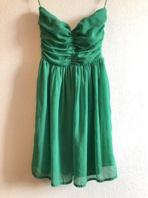 grünes Cocktailkleid