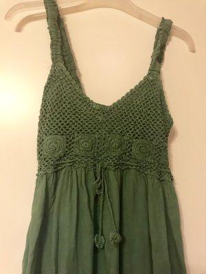 Grünes Kleid im Bohostyle