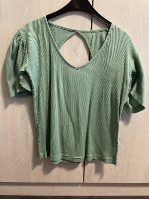 Grünes TShirt mit Rückenausschnitt