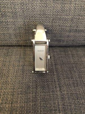 Gucci 1500L Vintage Damenuhr mit typischen Reiterverschluss