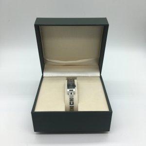 Gucci Horloge met metalen riempje zilver Edelstaal