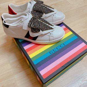 Gucci Ace Sneakers mit abnehmbarem Patch