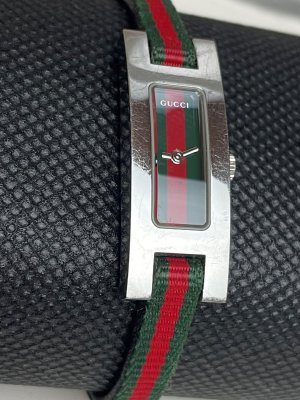 Gucci Watch With Leather Strap multicolored metal