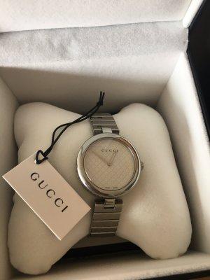 Gucci Montre avec bracelet métallique argenté-blanc