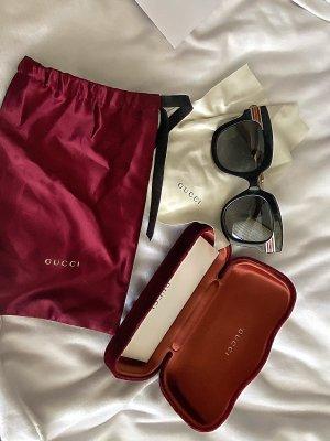 Gucci Gafas negro-rojo oscuro