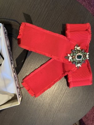 Gucci Broche rouge