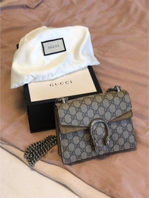 Gucci Dionysus Mini-Tasche aus GG Supreme