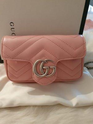 Gucci GG Marmont Super Mini Tasche rosa