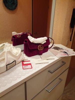 Gucci GG Marmont Velvet Tasche Small rubinrot