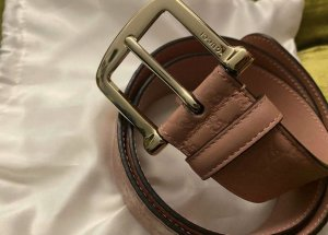 Gucci Cinturón de cuero color rosa dorado
