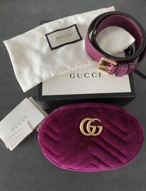 Gucci Gürteltasche GG Marmont Fuchsia Neu