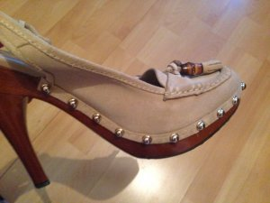 Gucci leather shoes with studs