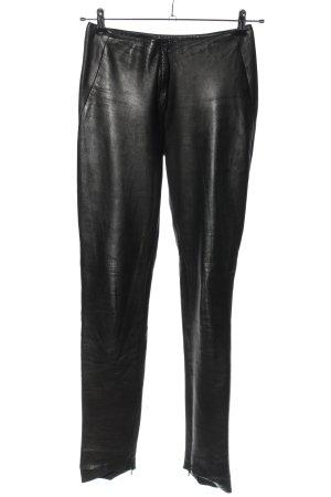 Gucci Pantalón de cuero negro look casual