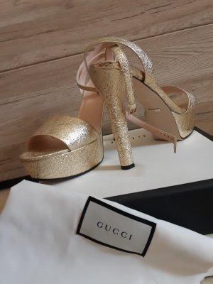 Gucci Sandały na platformie złoto